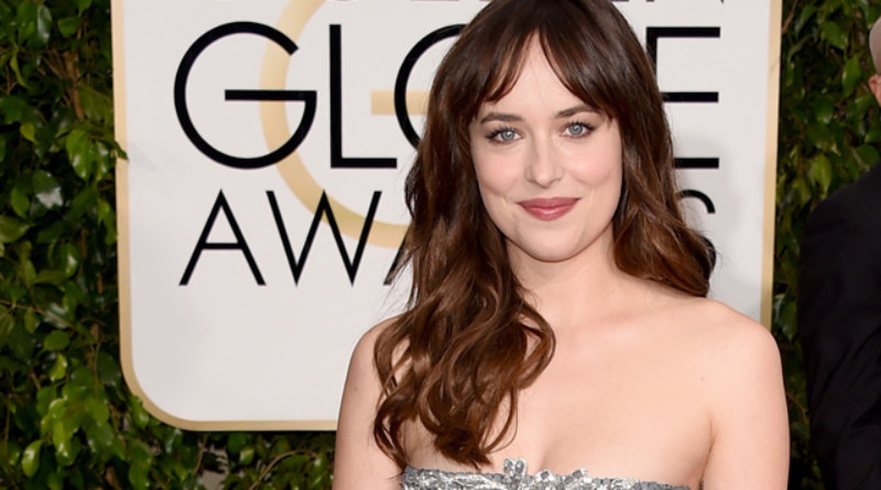 Dakota Johnson, Chanel, Chanel Beauty, Chanel Haute Couture Fall Winter 2015, Golden Globes Awards, Perfect Wedding Magazine