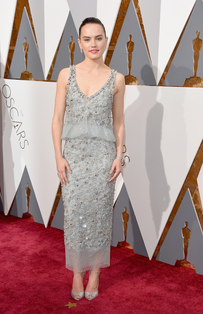 Daisy Ridley, Chanel Haute Couture, Oscars 2016, Perfect Wedding Magazine